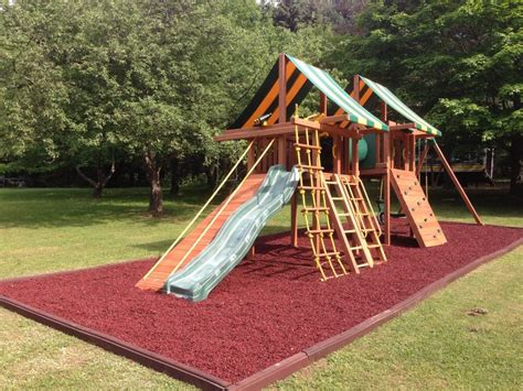 good swing sets 19 best images about rubber playground mulch on pinterest