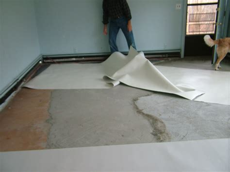 Laying Laminate On Concrete Floor by Laminate Flooring Installing Laminate Flooring