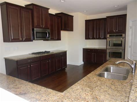Timberlake Kitchen Cabinets Timberlake Scottsdale Cherry Bordeaux Cabinets New Venetian Gold Granite For The Kitchen