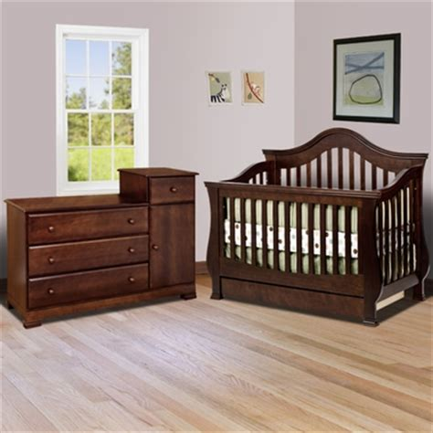 Million Dollar Baby Classic 2 Piece Nursery Set Ashbury Convertible Crib And Dresser Set