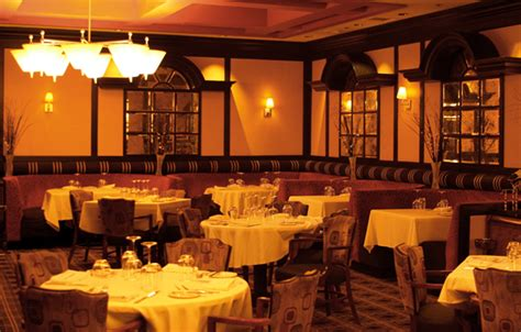 modern italian dining restaurant interior design of phil s italian steakhouse las vegas