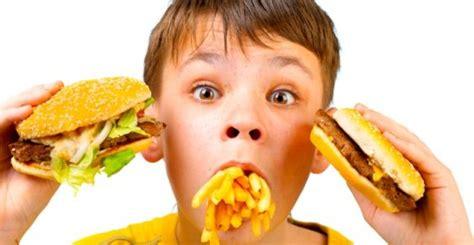 scorretta alimentazione aiom 1 tumore su 3 232 colpa dell alimentazione scorretta