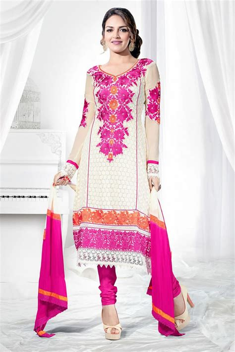7 Ways To Wear The Heavy Petal Look Without Looking Overdressed by 25 Best Esha Deol Salwar Kameez Images On