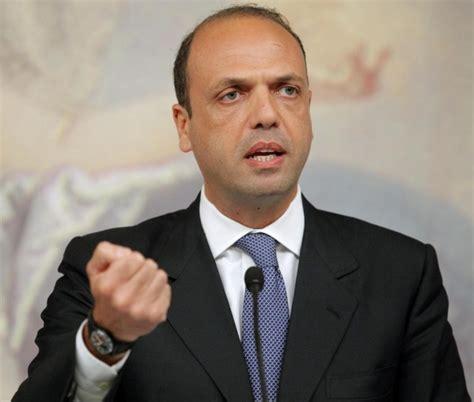alfano ministro dell interno chiusura presidi di polizia nel vastese il sindaco