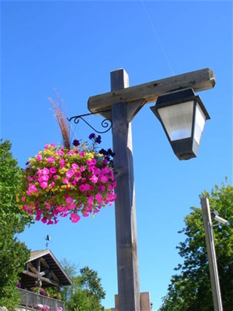 how do i hang planter mounts on a light pole ehow uk