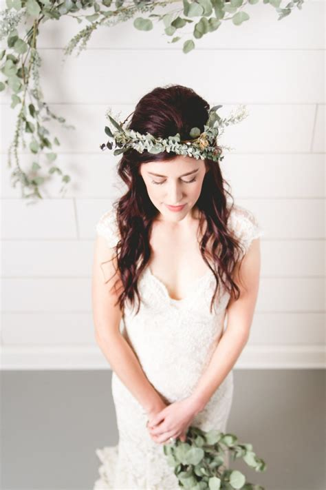 dapper brides with long hair 10 gorgeous greenery details intimate weddings small