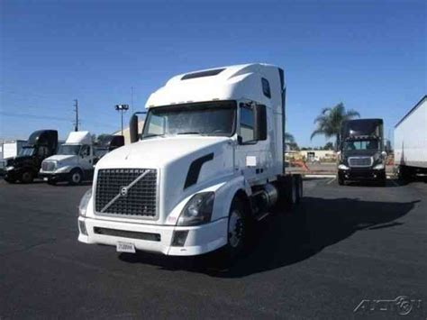 2013 volvo semi volvo vnl64t670 2013 sleeper semi trucks