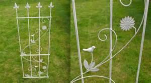 Delightful Tonnelle De Jardin En Fer Forge #4: 11527-haute-barriere-decorative-de-jardin-en-fer-forge-blanc-antique.jpg