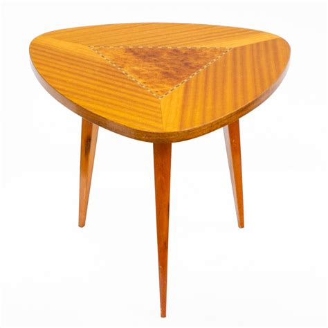 Table Basse Triangulaire 527 by Table Basse Triangulaire Table Basse Triangulaire 3 Pieds
