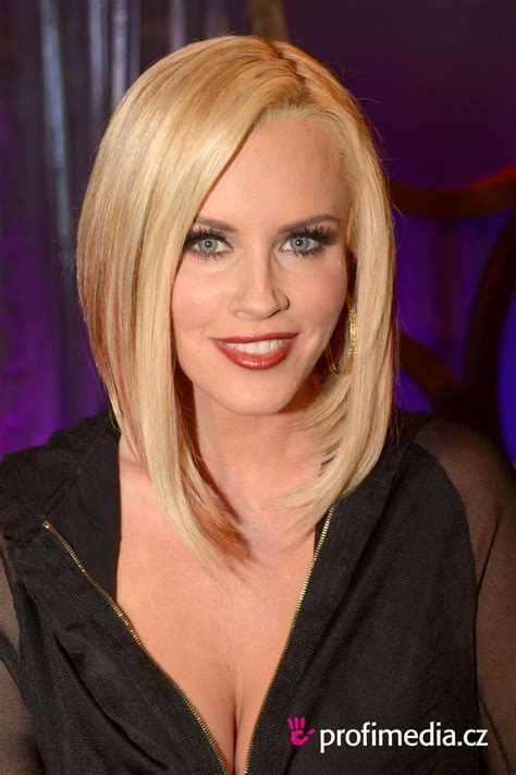 current pictures of jenny mccarthys hair jenny mccarthy hairstyle easyhairstyler