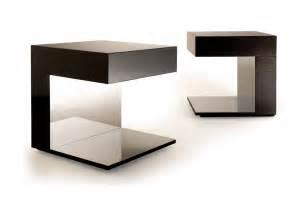 deunie side table