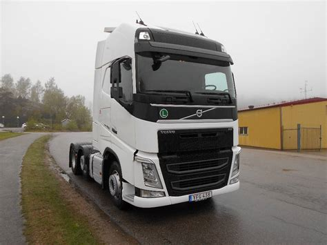 volvo fh   adr  tractor units year   sale mascus usa