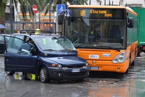 pullman san in fiore cosenza weboggi cosenza auto taglia strada a tre feriti