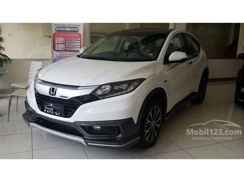 Honda Hr V 1 5 S Mt jual mobil honda hr v 2017 s 1 5 di dki jakarta manual suv