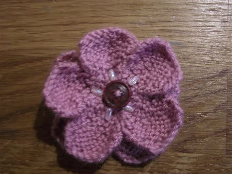 how to knit a flower knitted flower poppyposts