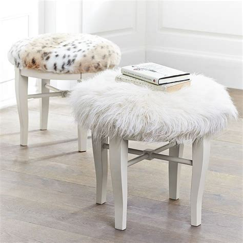 Faux Fur Desk Stool by Diy Faux Fur Vanity Stool Tutorial Crafty Gt