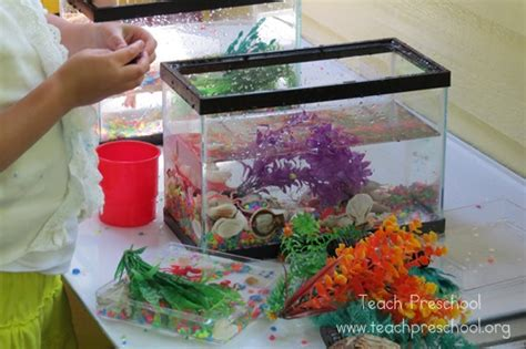 how to play fish table aquariums on the discovery table teach preschool
