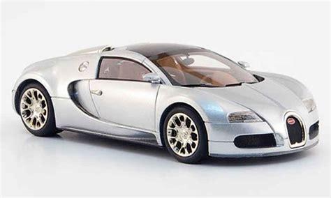Bugatti Veyron Model Car 1 43 Scale 2005 Blue Ixo Atlas 2891011 Mythiq bugatti veyron 16 4 gray metallized 2008 look smart