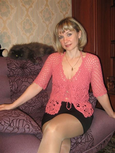 blonde to brunett at 50 mature single lady from us blonde hair brown eyes meet