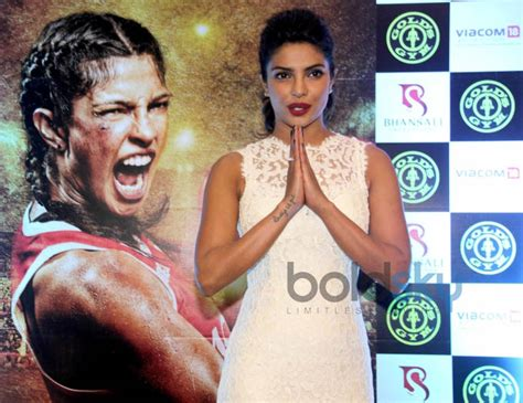 priyanka chopra gym photos priyanka chopra promotes mary kom at gold s gym photos