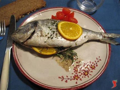 come cucinare orata al cartoccio orata al cartoccio pesci di mare
