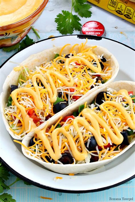 beef taco boats with beer cheese sauce recipe - Taco Boats With Cheese