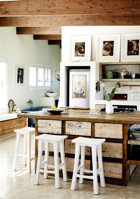 Country style kitchen island     Kitchen ideas