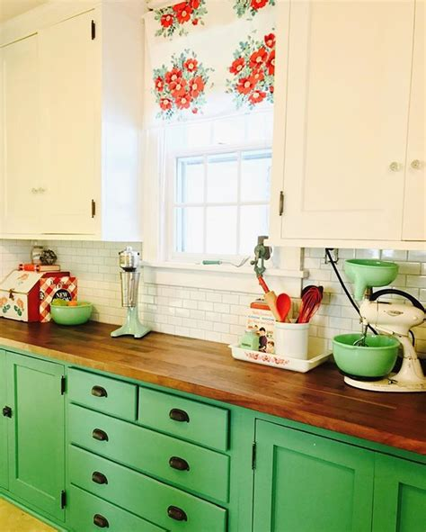 green and cream kitchen 748 best images about cabinet colors on pinterest