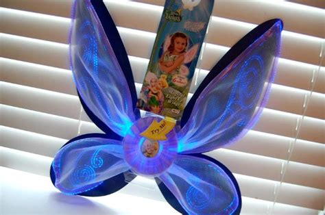 Disney Fairies Secret Of The Wings A Helicopter Mom Disney Fairies Light Up Wings