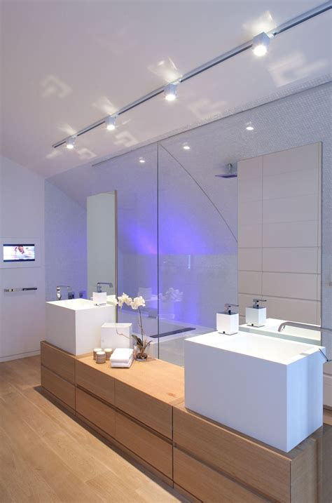 Sea Shell Badezimmer by Interior Sophisticated Bathroom With White Vanity And
