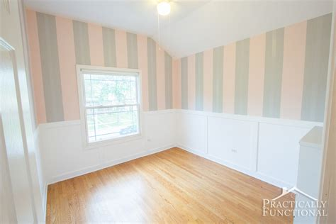 Wainscoting Corners by Diy Wainscoting With Textured Wallpaper