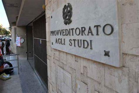 ufficio scolastico caserta caserta assenteismo in provveditorato indagati 56
