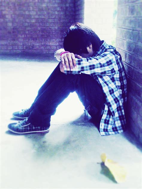 whatsapp wallpaper sad boy 29 amazing alone boys images for whats app and facebook