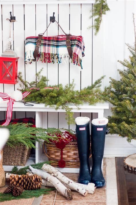 last minute christmas porch decor ideas hgtv s decorating for christmas christmas lights card and decore