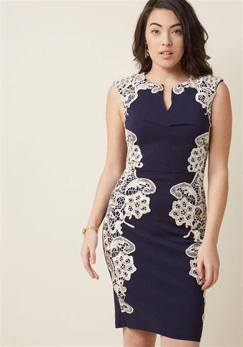 dunkelblaues kleid hochzeit stylische kleider fuer jeden tag