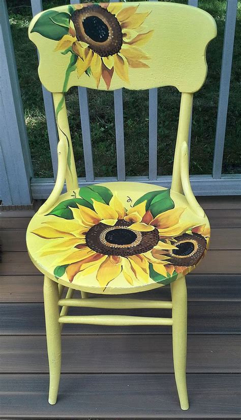 painted armchair 25 best ideas about painted chairs on pinterest hand painted chairs painted