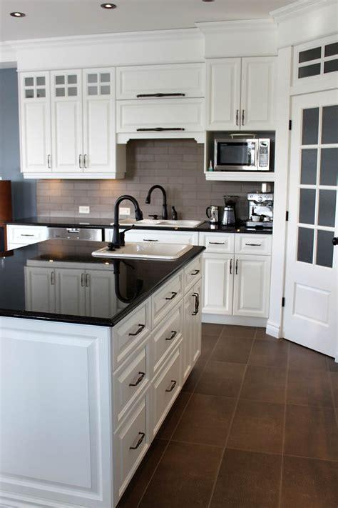 dosseret cuisine dosseret de cuisine en ceramique image image sur le