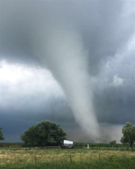 Prairie Home Plans by Photos Prairieburg Iowa Hit By Tornado As Damaging