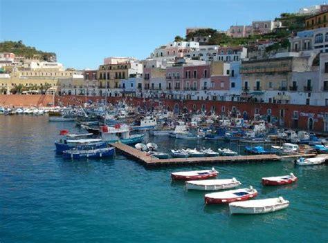 hotel a ponza porto grotta di mezzogiorno foto di hotel ortensia isola di