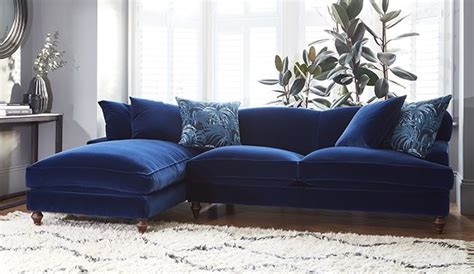 navy blue velvet couch the 25 best blue velvet sofa ideas on pinterest navy