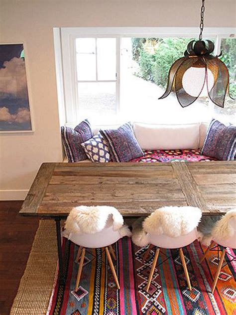 chic bohemian seating area homemydesign