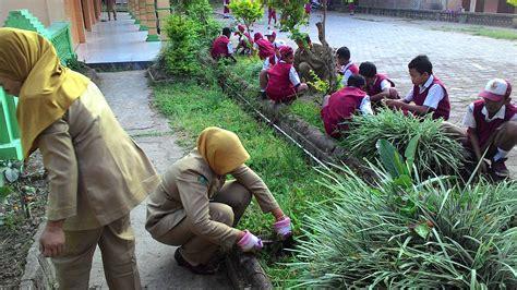 kegiatan kerja bakti sekolah