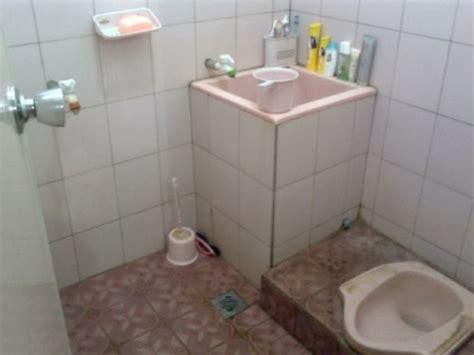 desain kamar mandi dengan kloset jongkok 15 contoh kamar mandi sederhana dengan kloset jongkok terbaru
