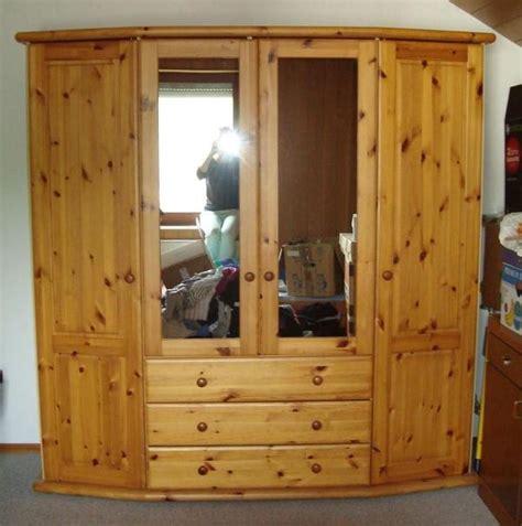 kleiderschrank mit schiebetüren und schubladen kleiderschrank mit spiegel und schubladen viert 252 rig