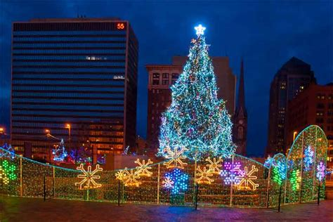 chris zimmer downtown cleveland christmas holiday lights