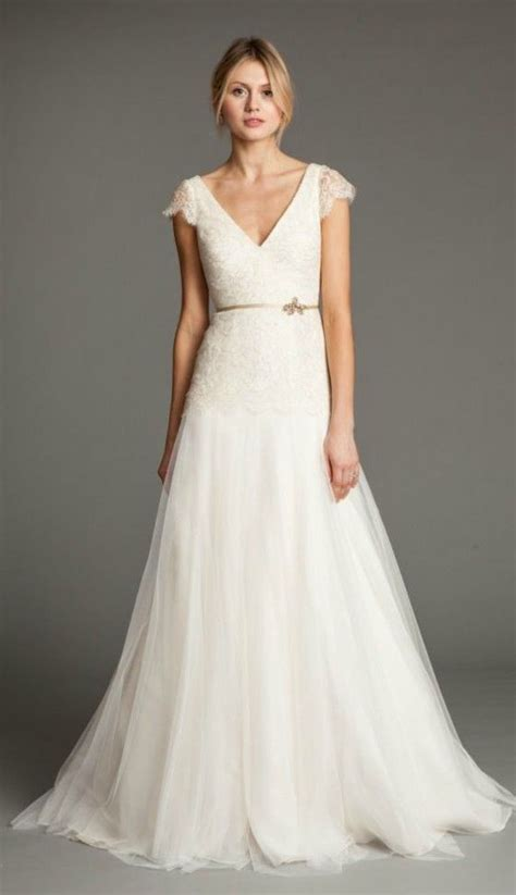 Best 25  Pear shaped wedding dress ideas on Pinterest