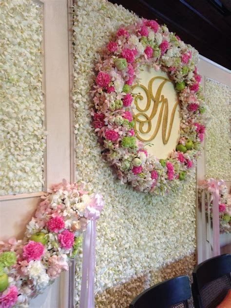 The 25  best Flower wall wedding ideas on Pinterest
