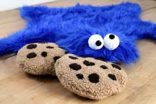 diy cookie fur rug with cookie pillows bored panda