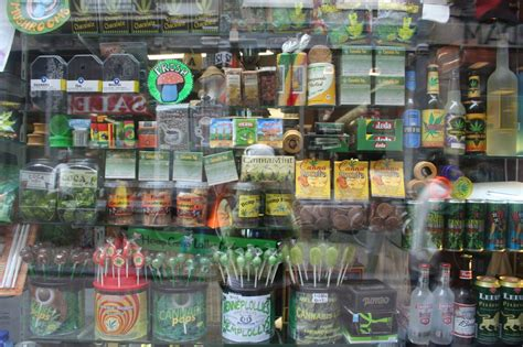 file amsterdam 420 cannabis products window jpg