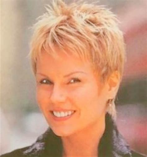 short haircut for women 60 with square jaw thick hair short haircuts for women with square faces hairs picture